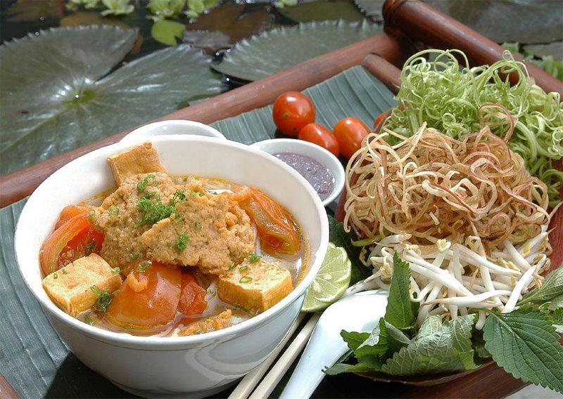 hanoi_street_food_tour_bun_rieu_cua2