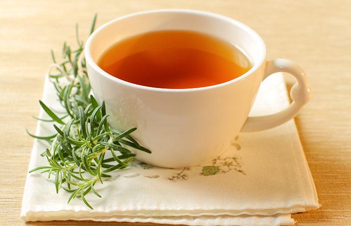 10 lợi ích sức khỏe tuyệt vời của trà hương thảo (1)